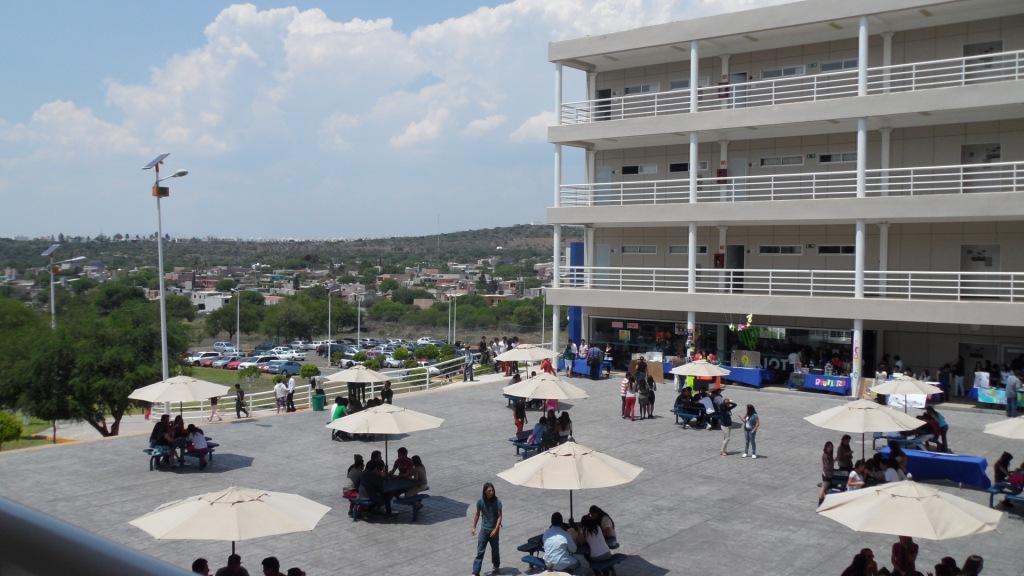 Centro universidad tecmilenio campus quer taro quer taro for Universidades sabatinas en queretaro
